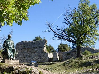 Découvrez un pont du Gard en miniature à Laudun