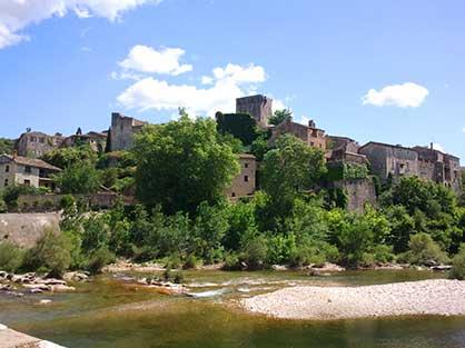 Découvrez le village classé Monclus dans le Gard
