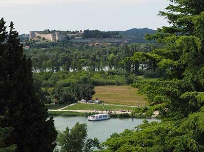 Séjournez près de Villeneuve les Avignon pendant vos vacances