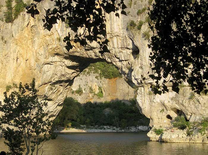 Votre hebergement à proximité de l'Ardèche proche de Vallon Pont d'Arc
